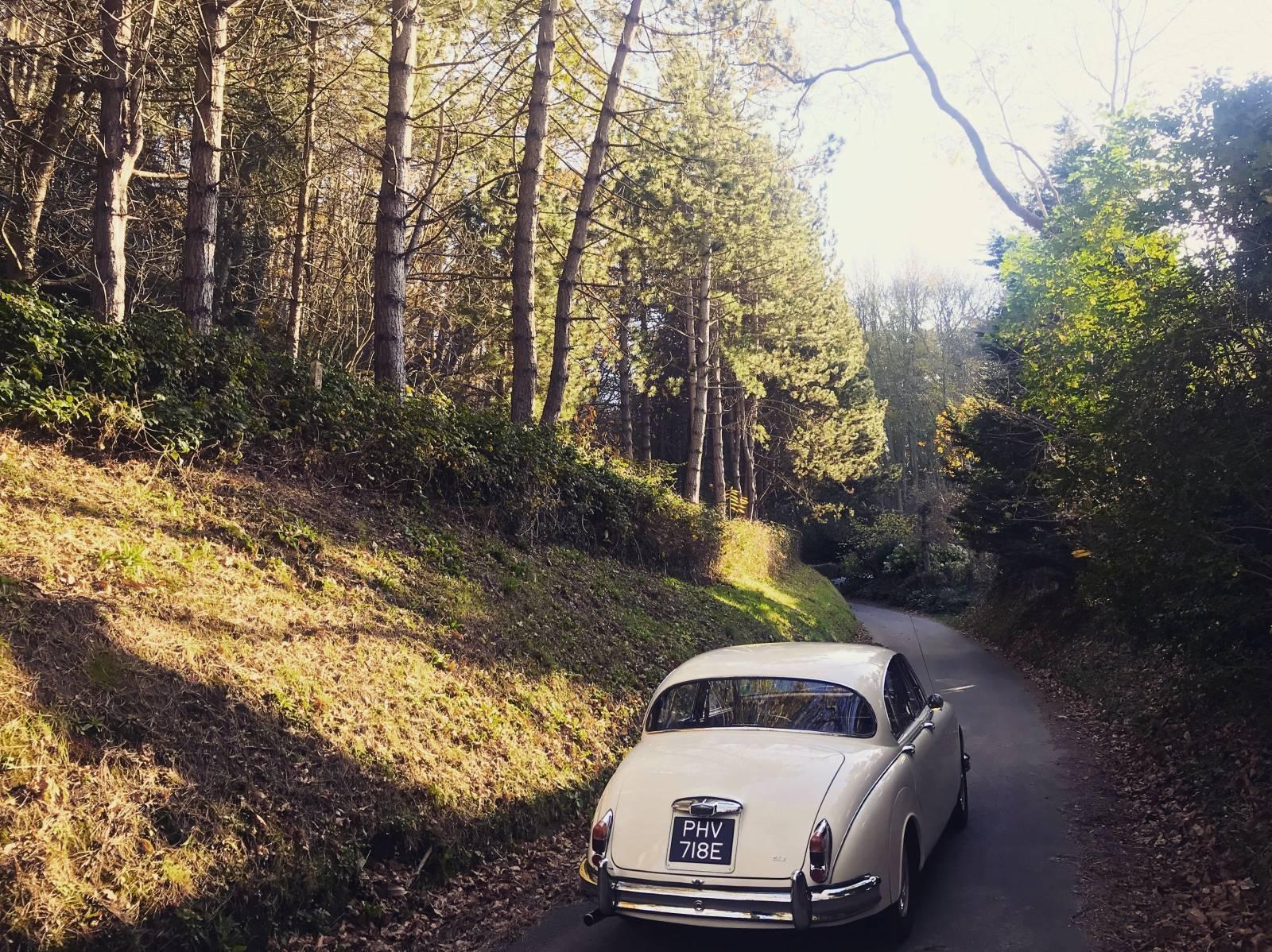 ou louer une voiture ancienne jaguar mk2 de 1967 pour votre mariage en haute normandie agence. Black Bedroom Furniture Sets. Home Design Ideas